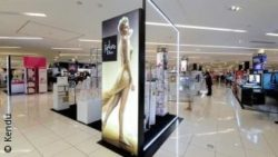 Image: pop up displays at Macy's Beauty Department; copyright: Kendu